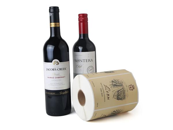 酒类身份标签纸在商品中扮演的角色